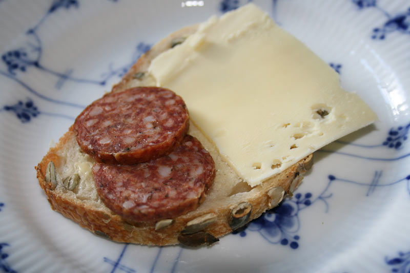 'Helge' Cheese sandwich with spicy salami
