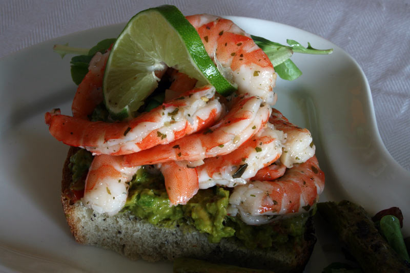 Cilantro lemon shrimp sandwich on guacamole Cilantro lime shrimp ...