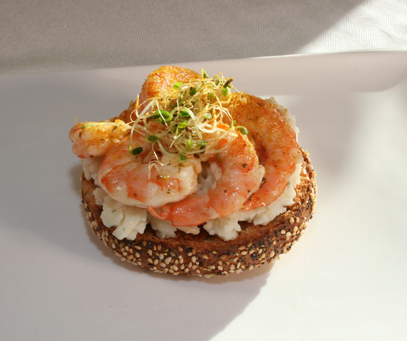 Mashed potato bagel sandwich with chili-lemon shrimp