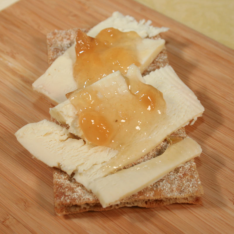 Swedish Cracker With Cheese and Pear-Fennikel Jam